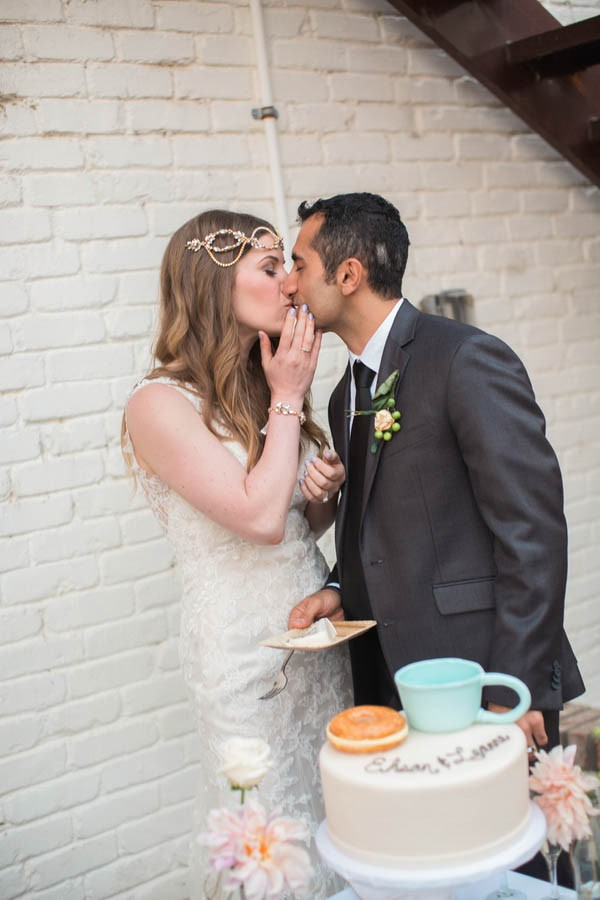 Laid-Back-Annapolis-Wedding-That-Doesn't-Skimp-Pretty-28