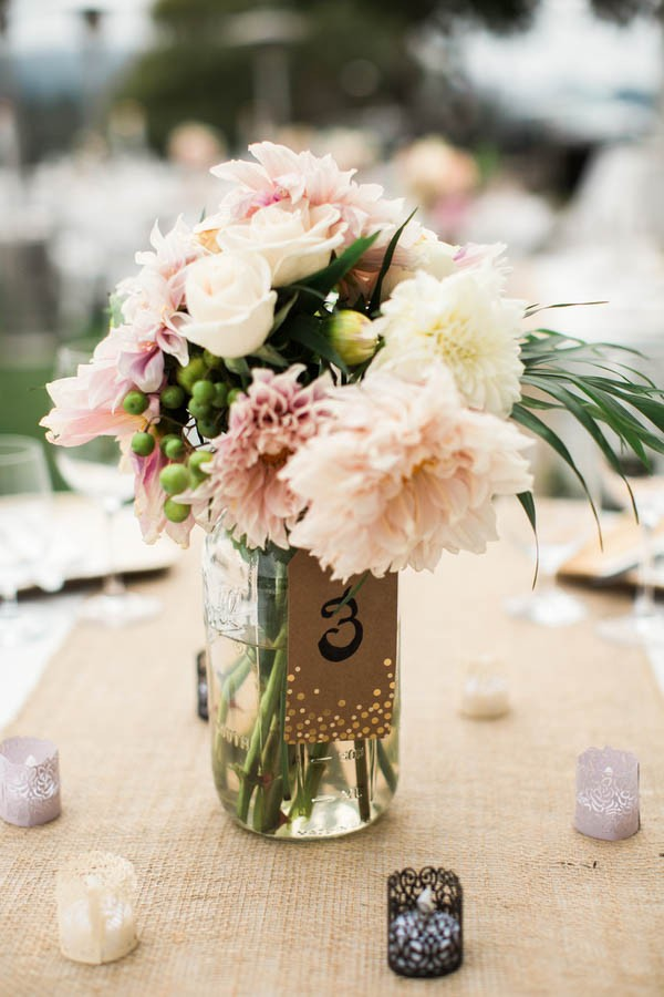 Laid-Back-Annapolis-Wedding-That-Doesn't-Skimp-Pretty-5