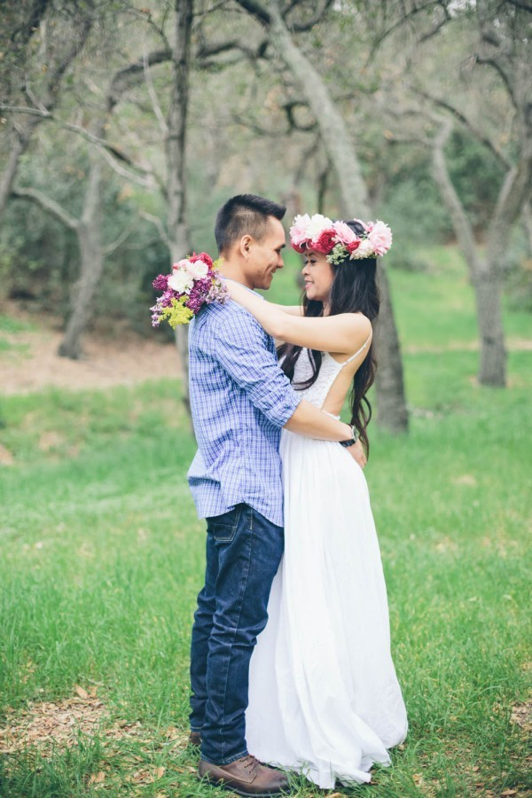 15 Fresh and Fashionable Spring Engagement Outfit Ideas | Junebug Weddings