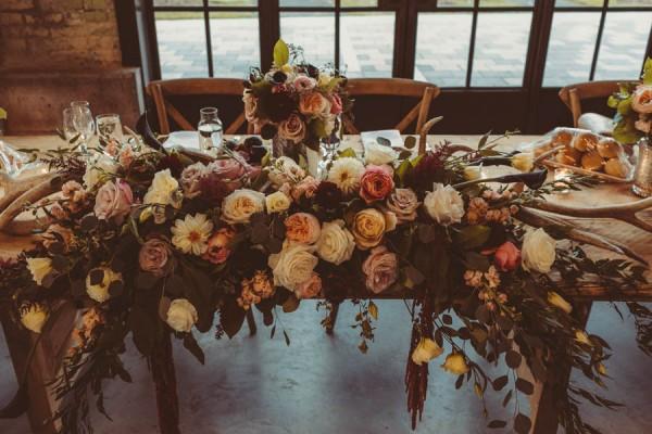 Modern-Classic-Ottawa-Wedding-Horticulture-Building-13