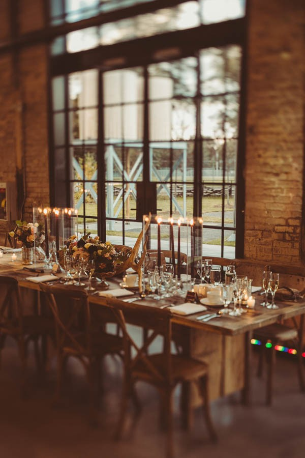 Modern-Classic-Ottawa-Wedding-Horticulture-Building-15