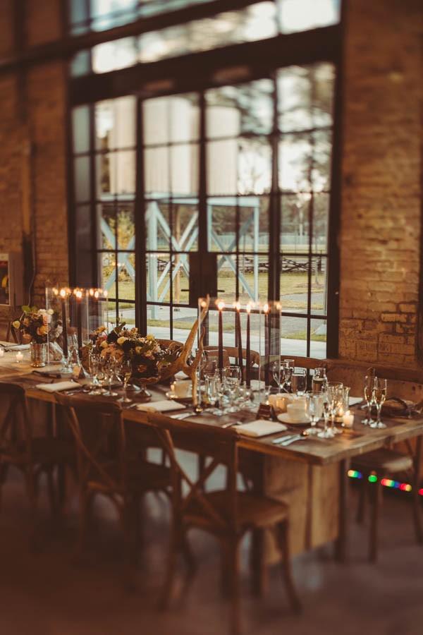 Modern-Classic-Ottawa-Wedding-Horticulture-Building-15