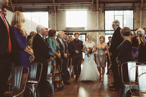Modern-Classic-Ottawa-Wedding-Horticulture-Building-20