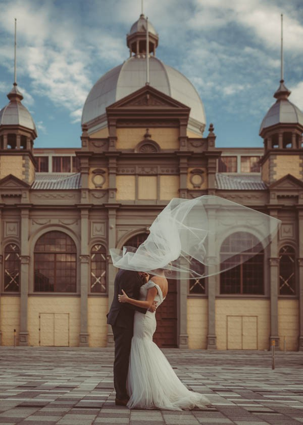 Modern-Classic-Ottawa-Wedding-Horticulture-Building-24