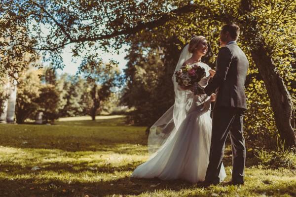 Modern-Classic-Ottawa-Wedding-Horticulture-Building-6