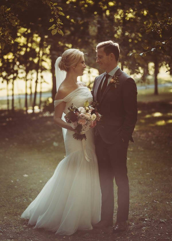 Modern-Classic-Ottawa-Wedding-Horticulture-Building-9