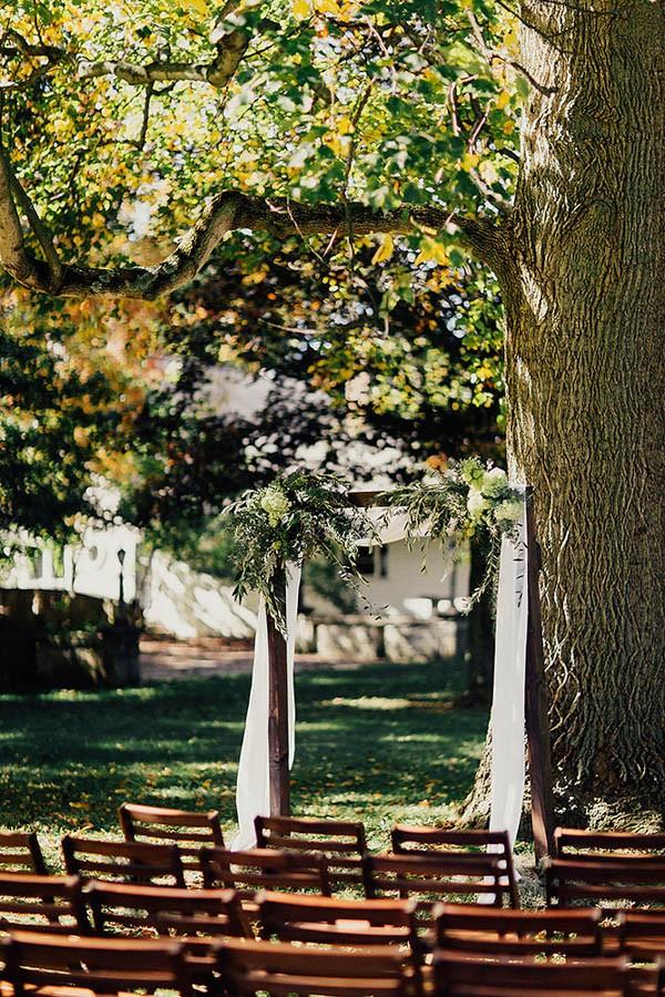 Modern-Cuyahoga-Valley-Wedding-Dark-Wood-Succulents-Addison-Jones-11