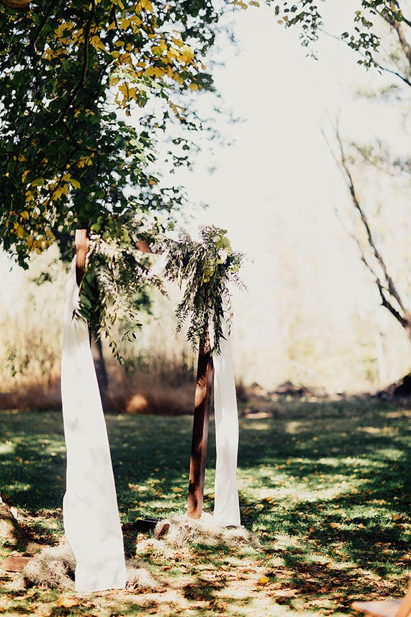 Modern-Cuyahoga-Valley-Wedding-Dark-Wood-Succulents-Addison-Jones-12