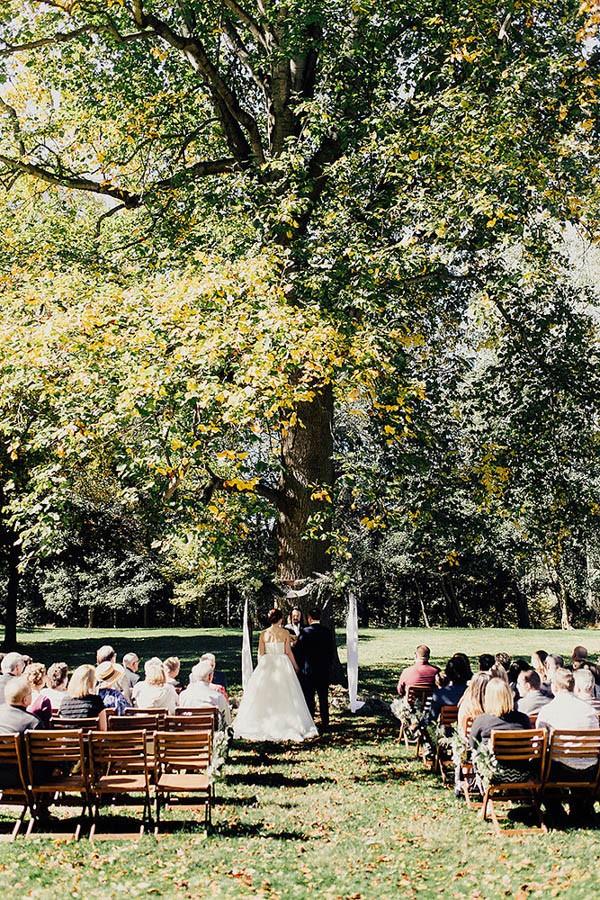 Modern-Cuyahoga-Valley-Wedding-Dark-Wood-Succulents-Addison-Jones-15