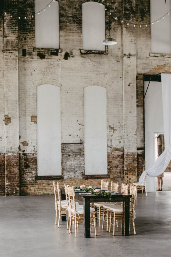 Natural-Industrial-Wedding-at-The-NP-Event-Space-Amanda-Marie-Studio-494-600x899