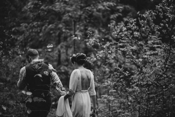 Naturally-Beautiful-Forest-Wedding-Moscow-11