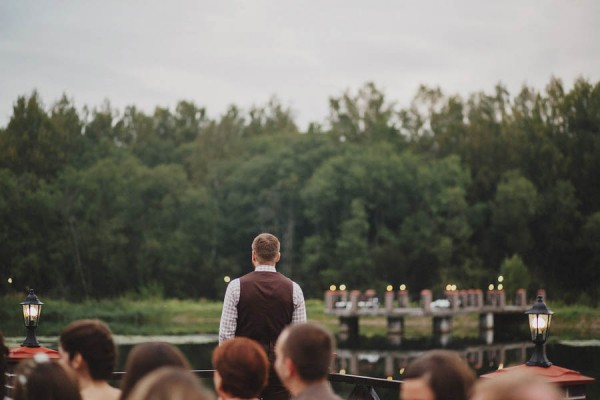 Naturally-Beautiful-Forest-Wedding-Moscow-16