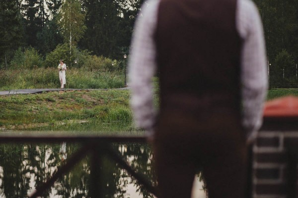 Naturally-Beautiful-Forest-Wedding-Moscow-17