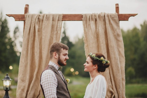 Naturally-Beautiful-Forest-Wedding-Moscow-19