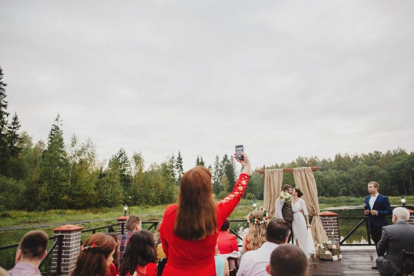Naturally-Beautiful-Forest-Wedding-Moscow-20