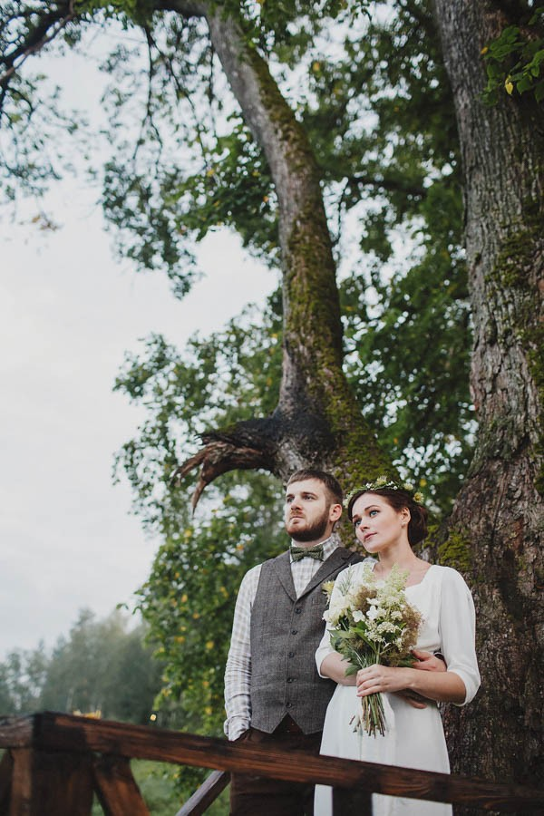 Naturally-Beautiful-Forest-Wedding-Moscow-23