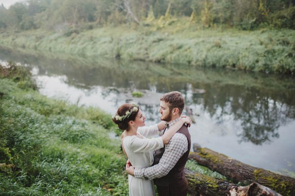 Naturally-Beautiful-Forest-Wedding-Moscow-24