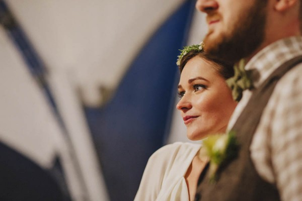 Naturally-Beautiful-Forest-Wedding-Moscow-26
