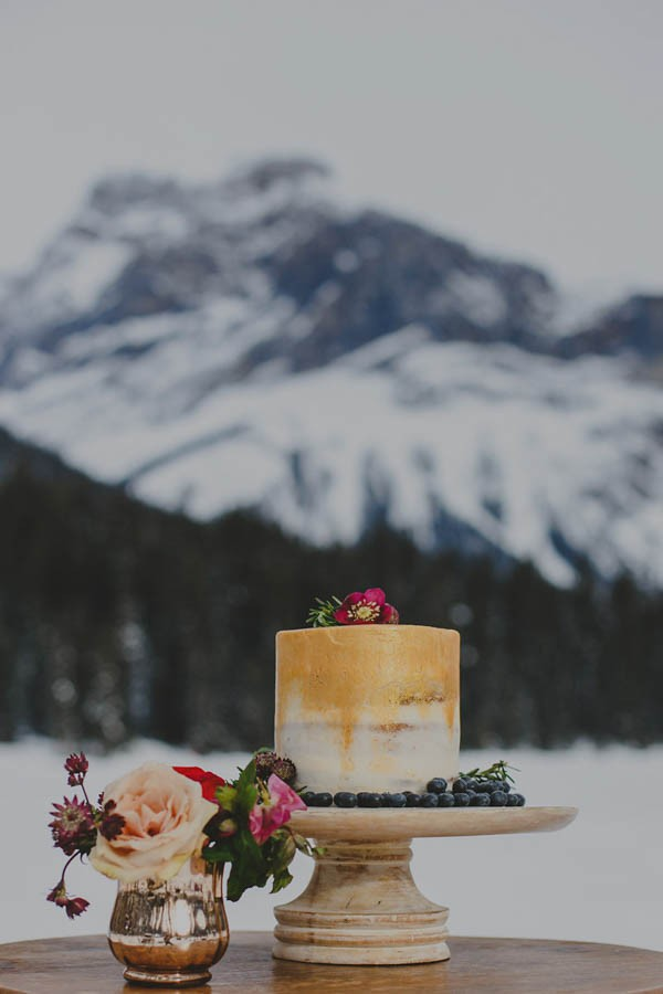 Passionate-Winter-Elopement-Inspiration-at-Emerald-Lake-Lolo-Nola-Photography-1