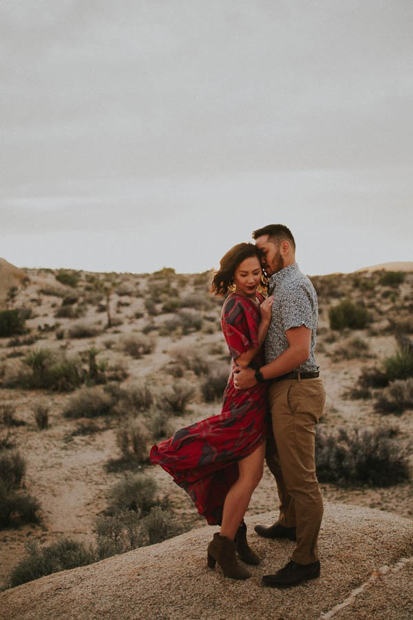 Passionately Romantic Desert Anniversary Photo Shoot In