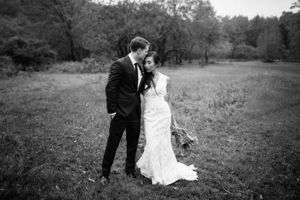 Rainy-Rustic-Catskills-Wedding-Handsome-Hollow-20