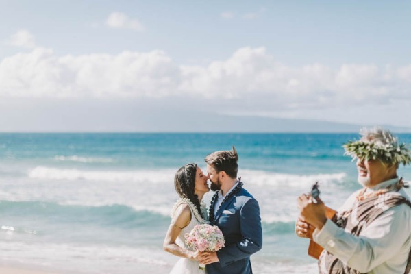 Spontaneous-Seaside-Elopement-Kapalua-Maui-9