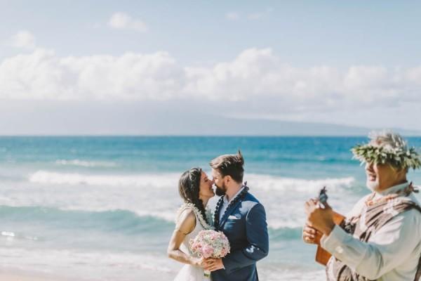 Spontaneous-Seaside-Elopement-Kapalua-Maui-9