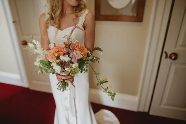 Sweetly-Colorful-Scottish-Wedding-Gilmerton-House-12