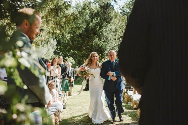 Sweetly-Colorful-Scottish-Wedding-Gilmerton-House-16
