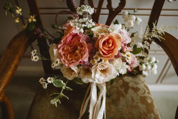 Sweetly-Colorful-Scottish-Wedding-Gilmerton-House-3
