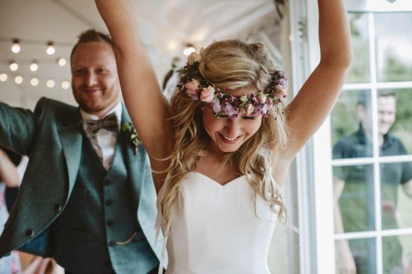 Sweetly-Colorful-Scottish-Wedding-Gilmerton-House-39
