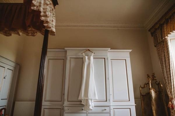 Sweetly-Colorful-Scottish-Wedding-Gilmerton-House-4