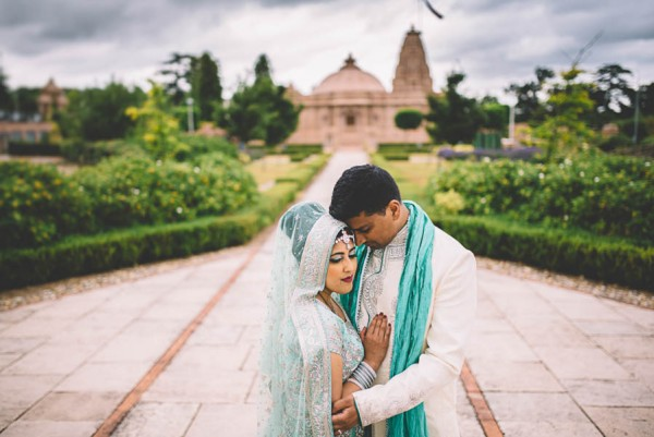 This Two-Day Hindu Wedding in Essex Beautifully Combines Tradition with Vintage Vibes