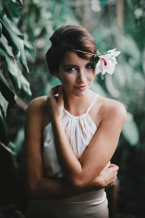 Vintage-Hawaiian-Wedding-Inspiration-at-Hound-and-Quail-June-Photography-22-600x899