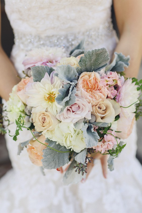 elegant-vintage-peach-and-white-austin-wedding-photo-by-christina-carroll-photography-15