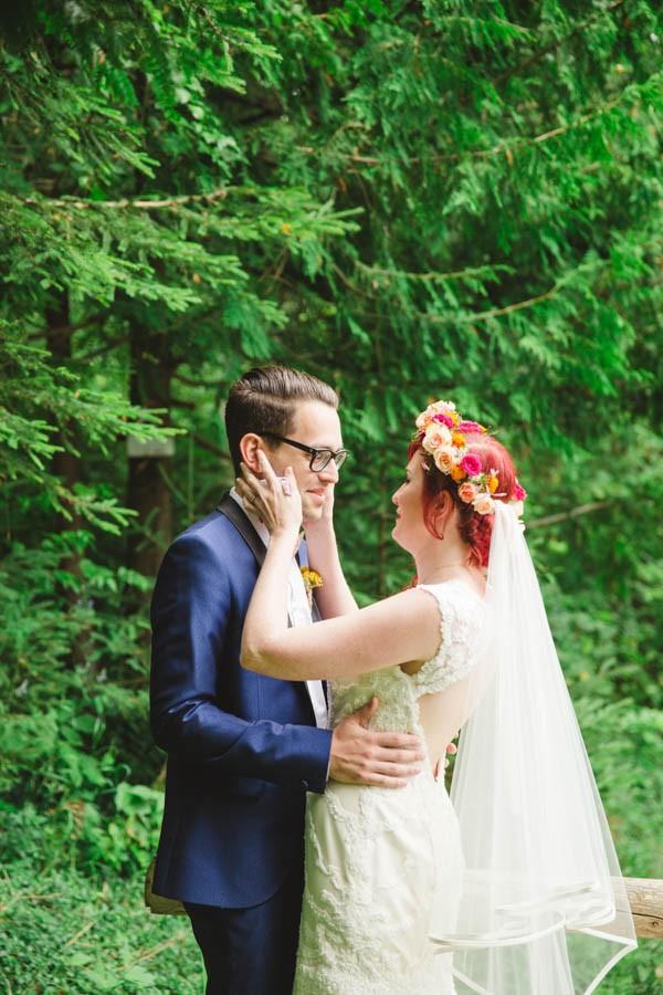 Boldly-Vibrant-Outdoor-Wedding-Ontario-3
