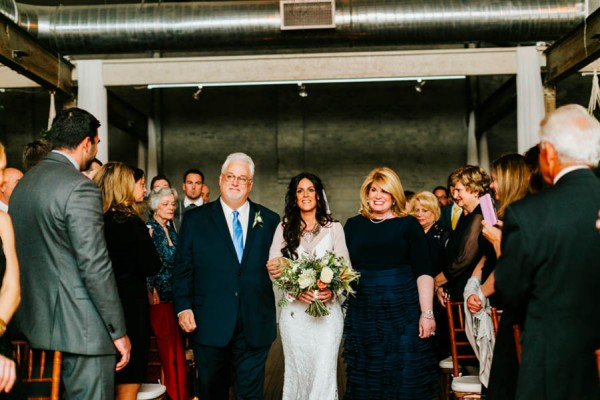 Pennsylvania-Couple-Made-Their-Front-Palmer-Wedding-Their-Own-28