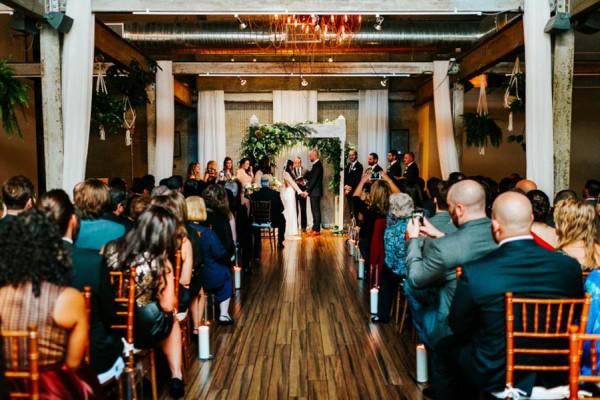 Pennsylvania-Couple-Made-Their-Front-Palmer-Wedding-Their-Own-29