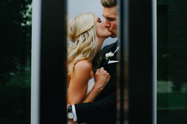 Romantic-Meets-Industrial-Columbus-Wedding-Dock-580-Derks-Werks-Photography-14
