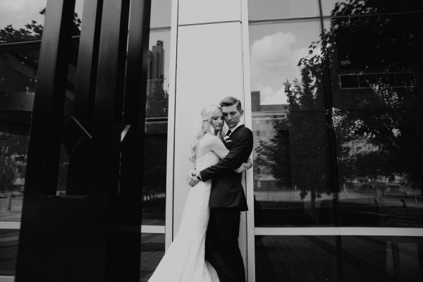 Romantic-Meets-Industrial-Columbus-Wedding-Dock-580-Derks-Werks-Photography-15