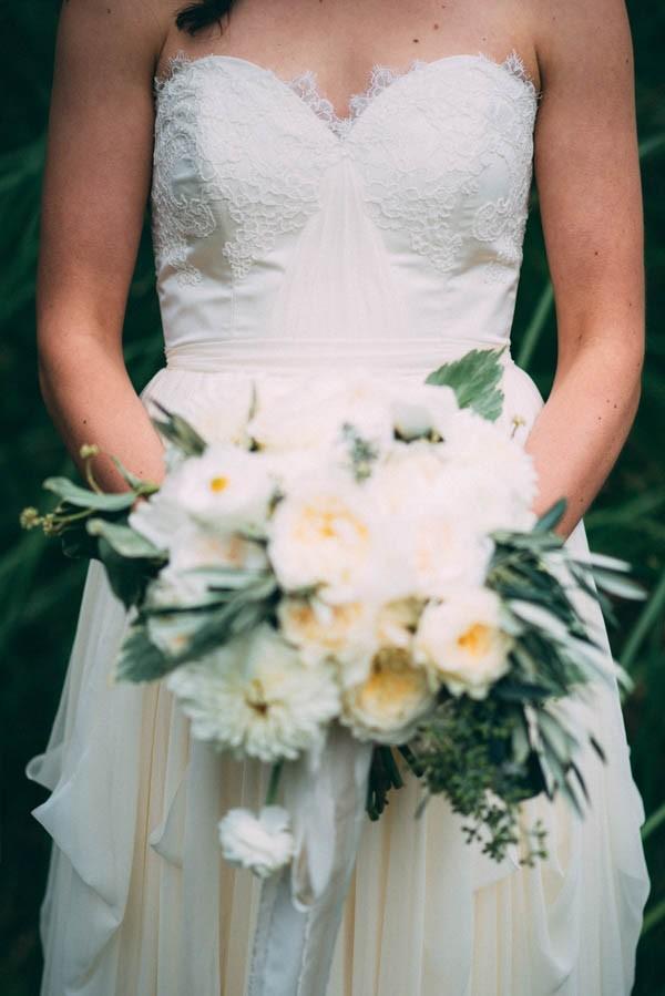 Sentimental-Cottage-Wedding-Monarch-Cove-Inn-Julie-Pepin-10