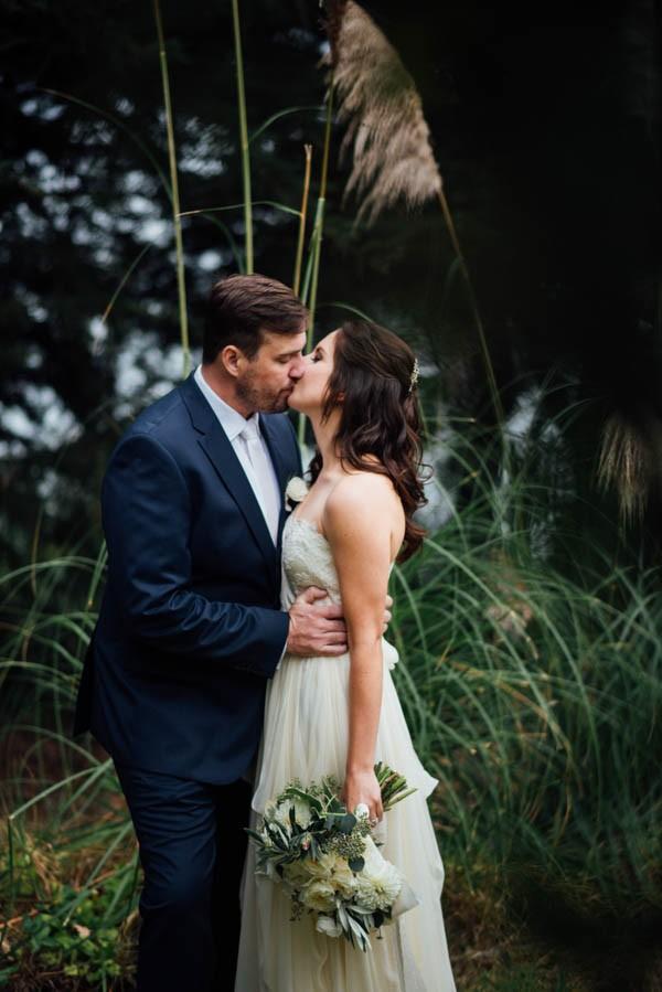 Sentimental-Cottage-Wedding-Monarch-Cove-Inn-Julie-Pepin-12