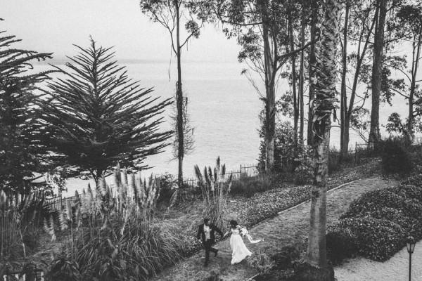 Sentimental-Cottage-Wedding-Monarch-Cove-Inn-Julie-Pepin-15