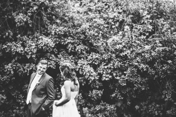Sentimental-Cottage-Wedding-Monarch-Cove-Inn-Julie-Pepin-2