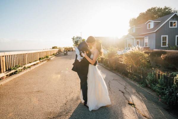 Sentimental-Cottage-Wedding-Monarch-Cove-Inn-Julie-Pepin-21