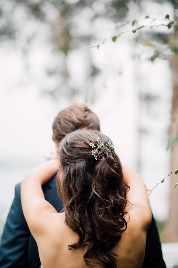 Sentimental-Cottage-Wedding-Monarch-Cove-Inn-Julie-Pepin-4