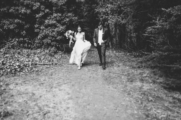 Sentimental-Cottage-Wedding-Monarch-Cove-Inn-Julie-Pepin-7