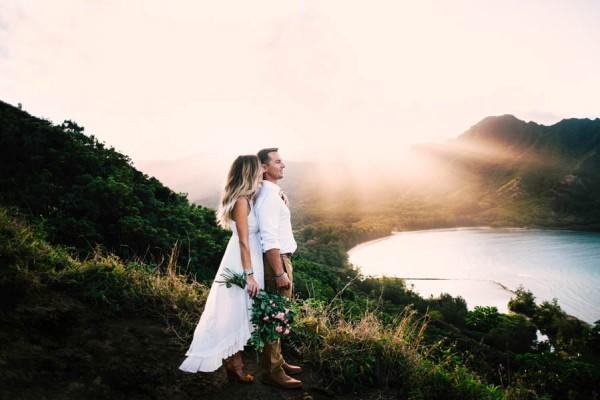 this couples koolauloa hawaii anniversary shoot is like