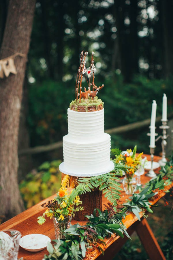 This-Woodland-Wisconsin-Wedding-Straight-from-Pages-Storybook-27