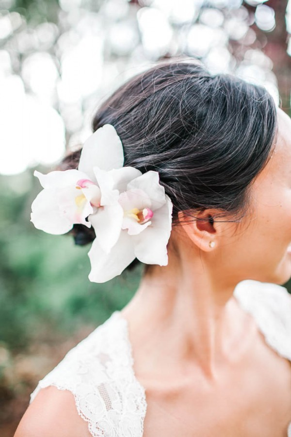 Chic-Hawaiian-Wedding-at-Sunset-Ranch-28-of-33-600x900